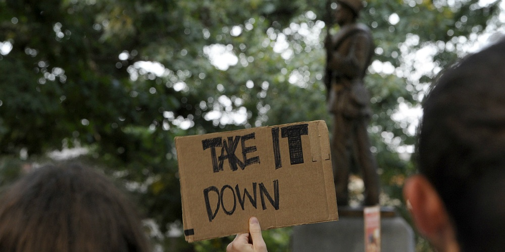 Why aren't statue mobs being arrested?